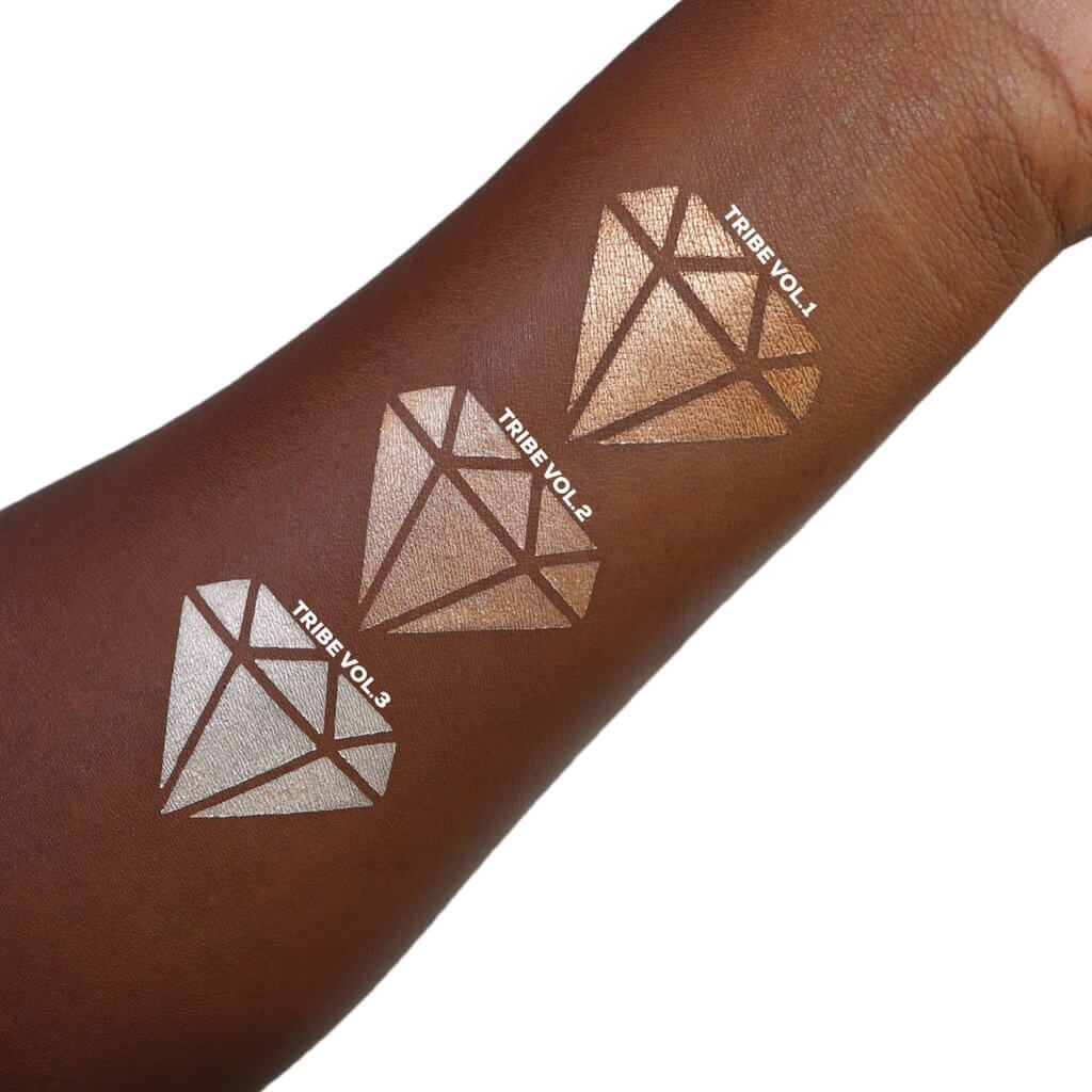 Tribe Highlighter JUVIAS PLACE sur ckarlysbeauty.com